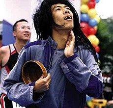 绝对长见识 广州马拉松赛奇葩怒放