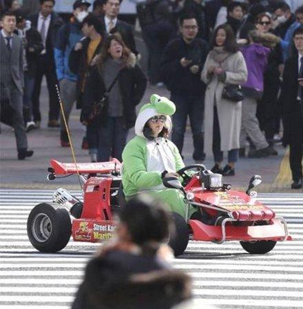 日本街头现马里奥赛车 有专属驾照