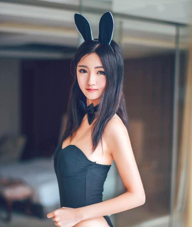 90性感美女诱人姿势_