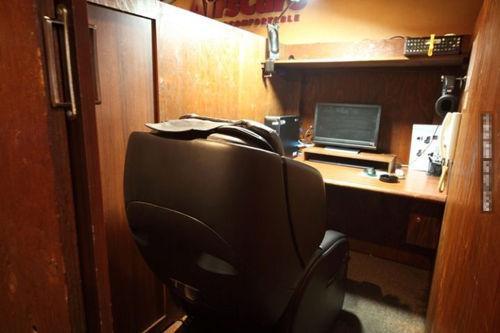 日本网吧成了小旅馆 各种大尺度照片被偷拍