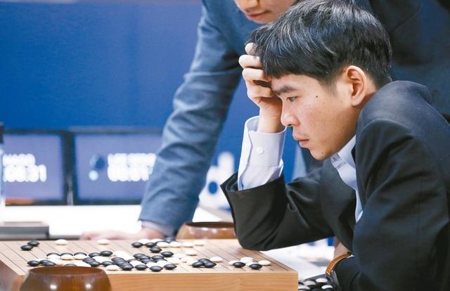 有话题第92期:你期待人工智能后人机大战吗?