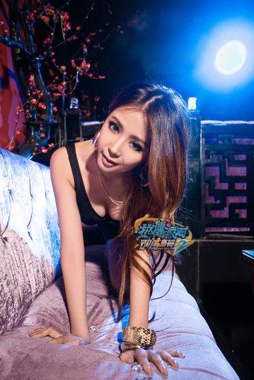 《热舞派对Ⅱ》美女玩家亮相网博会