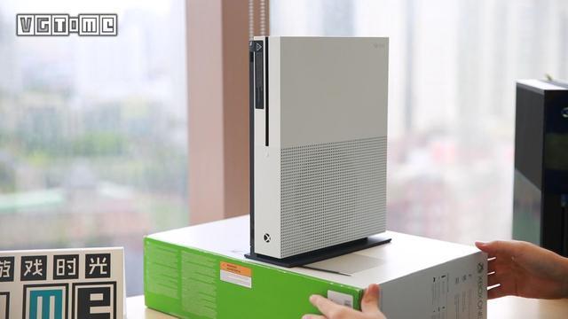 Xbox One S:三年前登场的应该是你才对