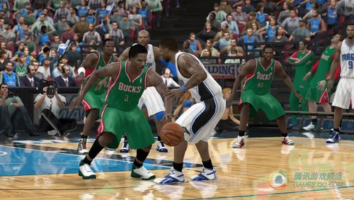 EA《NBA精英赛11》2010年10月发售