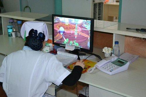 当班护士玩网络游戏被开除
