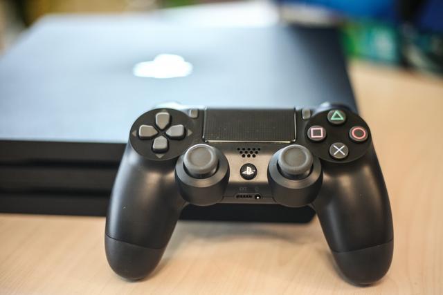 霸悍性能成就4K视觉 国行PS4 Pro开箱评测