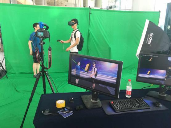 云栖大会现场体验者体验Vise Lab VR技术 Vise3D官网:www.vise3d.com