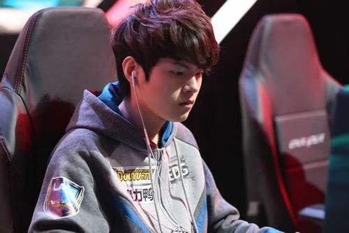 Deft:需要警惕RNG,希望能和EDG在决赛中相遇