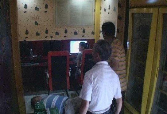 南京一中年男子连续上网5个小时