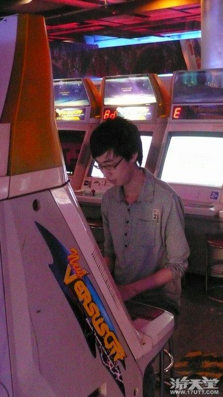 游天堂KOF2002UM上海揭幕战完美演绎