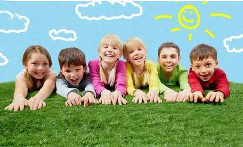 小孩游戏_春季幼儿园户外活动游戏大全幼儿园教案中国