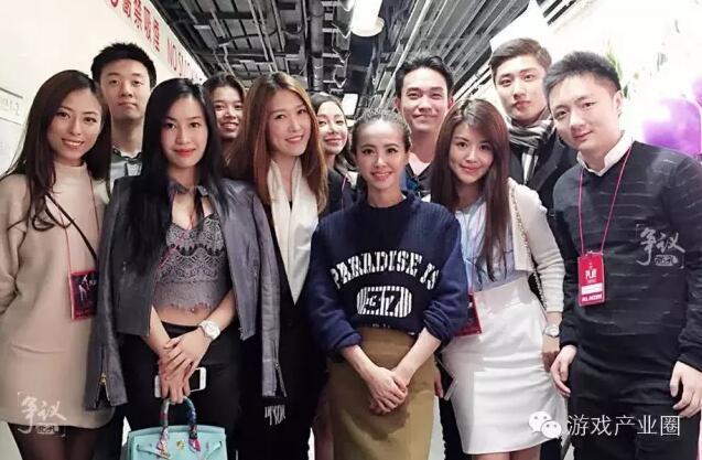 钟培生的公司赞助了蔡依林的演唱会