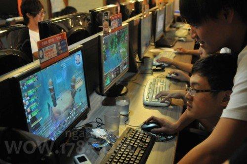 星际2全球首发台湾报道:当地网吧及魔兽玩家