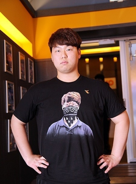 """星际2奖金第一人""""神族总统""""MC退役"""