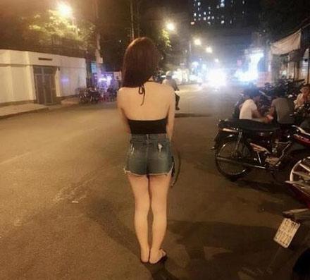 洋葱新闻:第一网红家暴被虐 百万假胸被打爆!