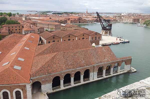 第16届威尼斯国际建筑双年展:坐在长椅上的展览