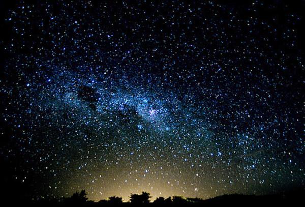 拥包星星的月亮 星星月亮情侣头像图片 画月亮星星简笔画图片图片