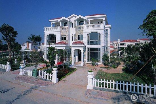[广州]碧桂园位置别墅在售半岛及独栋别墅书房假日双拼的图片
