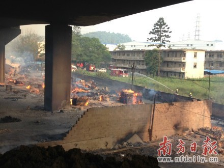 广州黄埔油罐车泄漏爆炸 已造成19人死亡