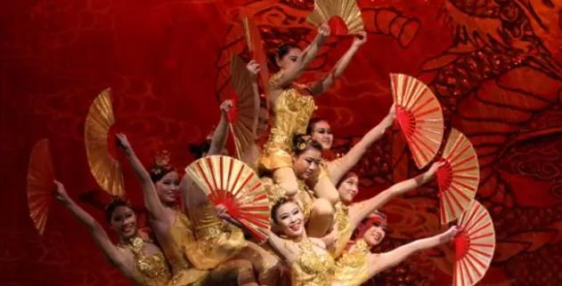 中国杂技团建团60周年献礼剧目《天地宝藏》
