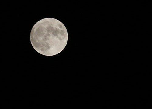 摄影技巧:如何拍摄月亮