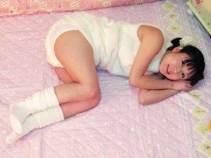 日本干物女穿尿片上班