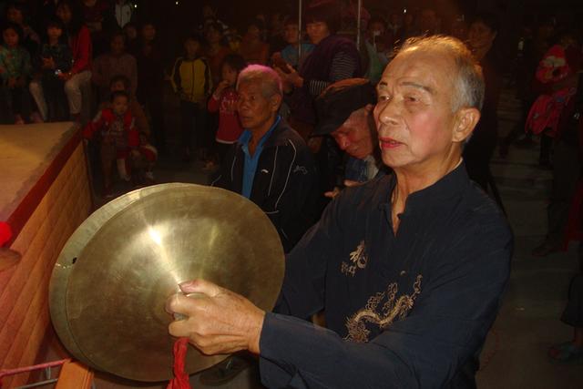 英德东华民间艺术团重阳晚为村民演出13个节黔东南美食文化图片