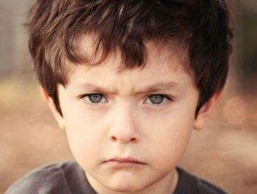 家里孩子争宠该怎么办?