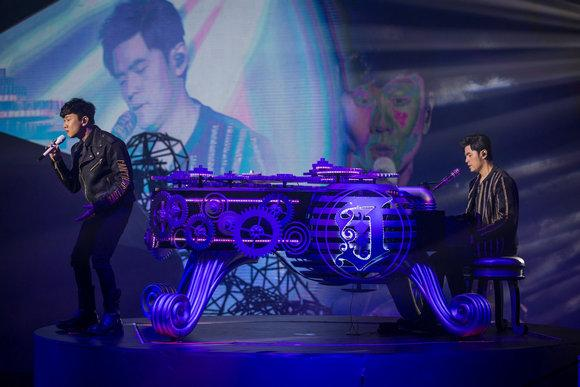 一众超级巨星引爆太阳城集团十周年演唱会