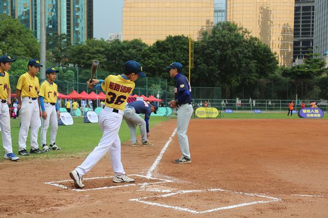 首届国际棒球嘉年华在天河棒球场举行