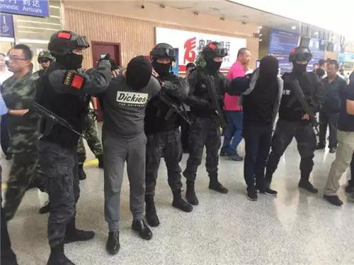 """警方披露CS基地杀人案细节:拿手机被当作叛徒""""处决"""""""