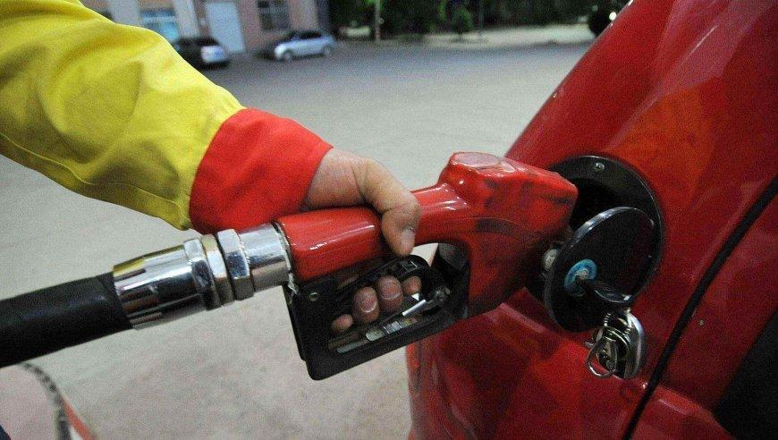 国际原油价格大幅下行 本周成品油价二连跌几成定局