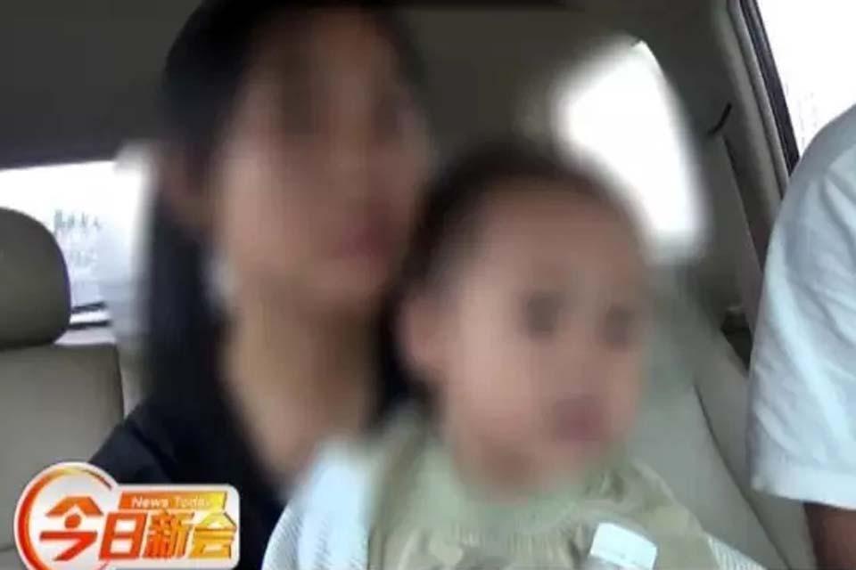 新会女子为逃警方抓捕 带2岁儿子贩毒