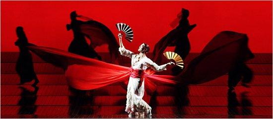 这个曾令全世界观众感动至落泪,受到全中国观众热烈欢迎的童声合唱团
