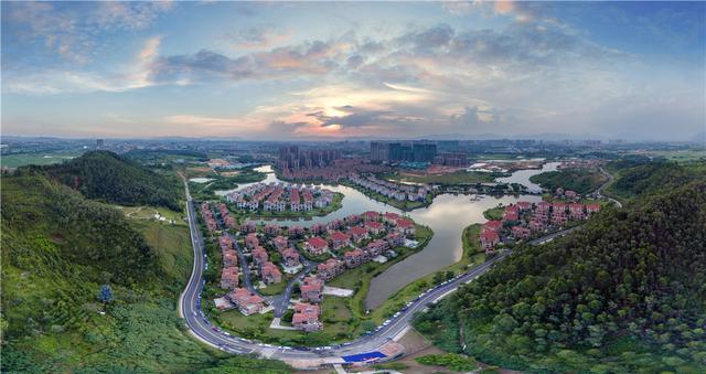 隔壁就是学校!出门就是城轨!这里圆广州人安居梦