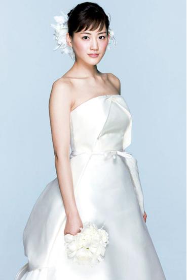 中日韩女星婚纱造型大比拼图片