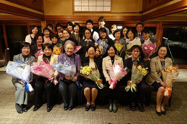 放弃高薪厚职 远赴日本学习照顾老人