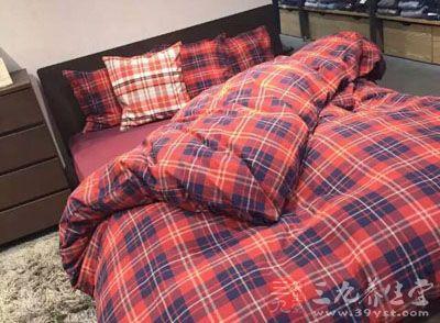 长寿的人竟偏爱睡这种床