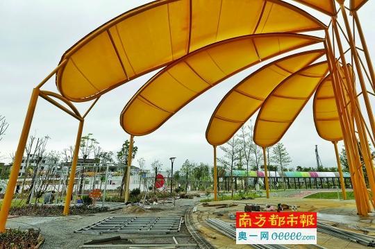 5月24日,从化儿童公园,大量待安装的材料放在地上.南都记者 黎湛