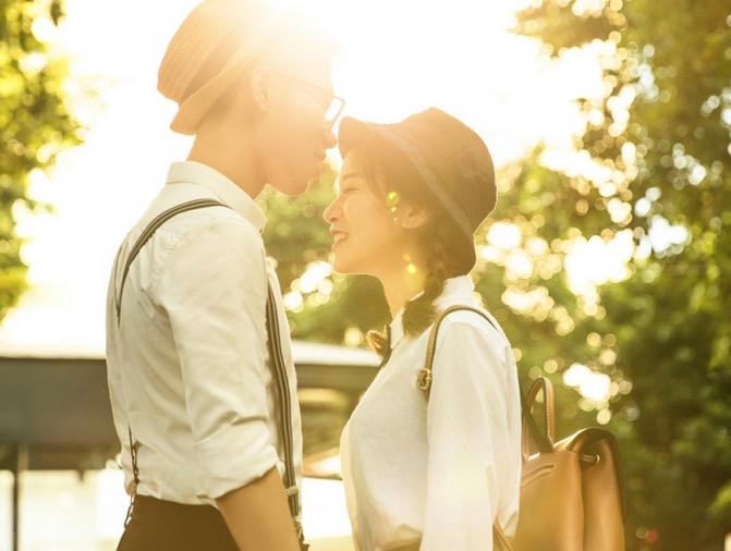 """有一种爱情,叫""""从校服到婚纱"""""""