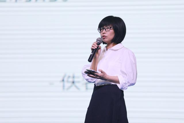图为一条合伙人李晖分享《内容电商:生活方式短视频的全新领域》