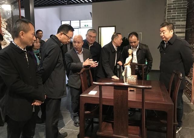 佛山工艺美术精品齐聚广东省工艺美术珍品馆