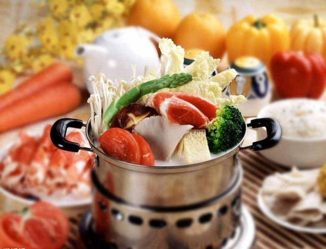 夏天吃个酣畅淋漓的火锅 你要注意啥?