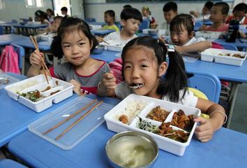校园午餐如何兼顾安全与美味