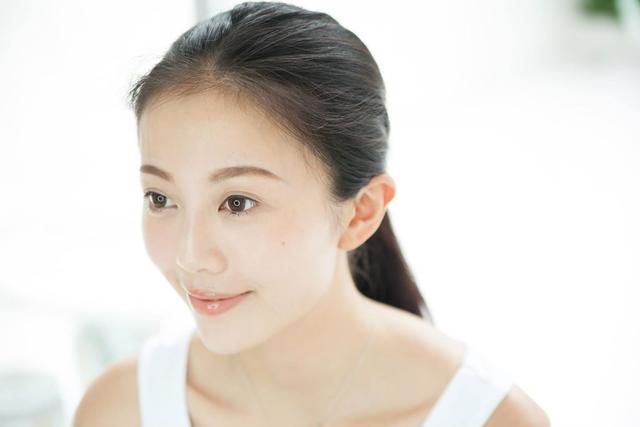 紫外线加速皮肤老化 25岁后抗衰老不能拖