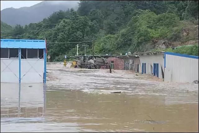 河源公布黄色预警,暴雨天应该注意什么?