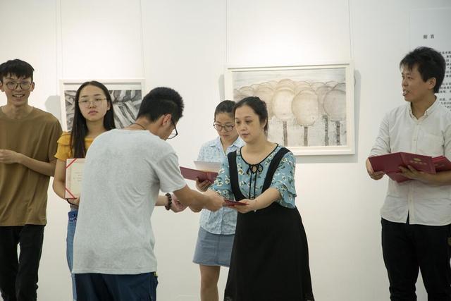 第二届一尚教育素描艺术奖暨获奖作品展开幕