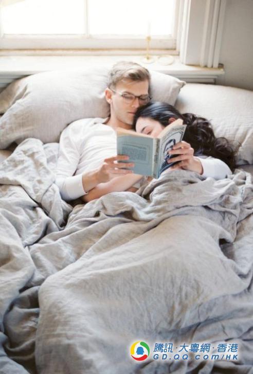 睡醒还是困竟然因为情侣共睡?