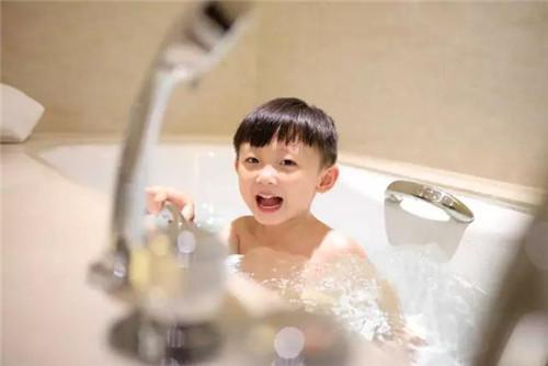 短暂周末,带孩子在家门口来一场酒店等于目的地的小旅行吧
