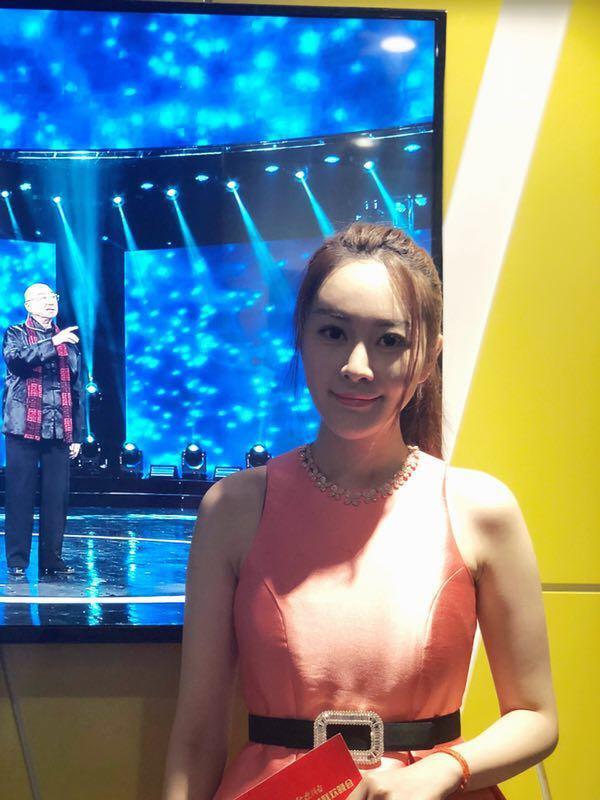 珠宝界新贵亚洲小姐陈洋铃 受邀出席老艺术家春晚